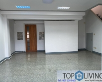 Unfurnished Townhouse for rent on La Salle Road