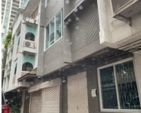 ให้เช่าอาคาร 3 ชั้น 250 ตรม ใกล้ BTS ศาลาแดง
